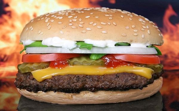 体の脂肪1キログラムを落とすに必要なカロリー消費はどれだけ?